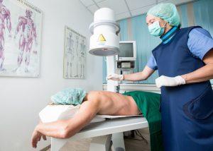 minimalinvasive Wirbelsäuleninjektionstechnik